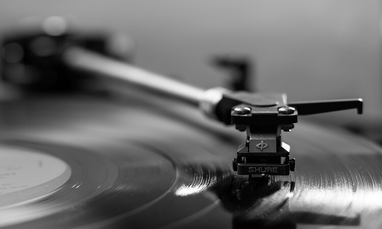 How Does A Turntable Work? – Interesting Audio Facts