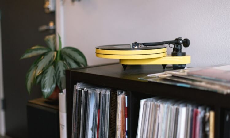 How To Connect Turntable To Receiver: The Basics