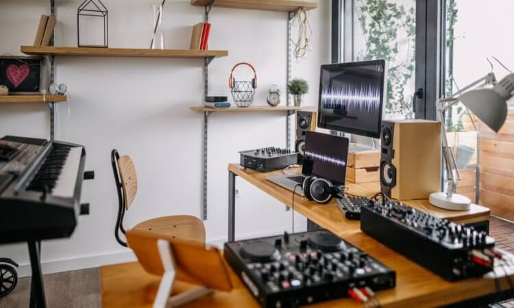planetradiocity The 7 Best Condenser Microphones For Home Studios