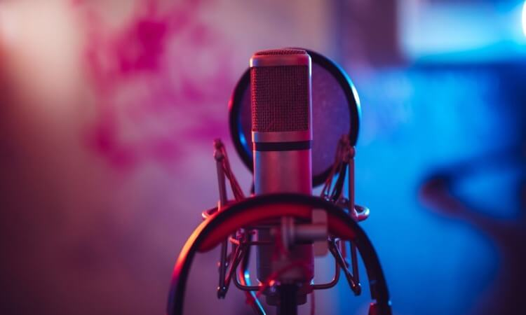 The 7 Best Studio Condenser Microphones For Recording Use