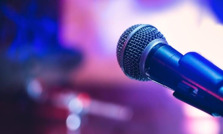 The 7 Best Wireless Stage Microphones For Excellent Audio Output
