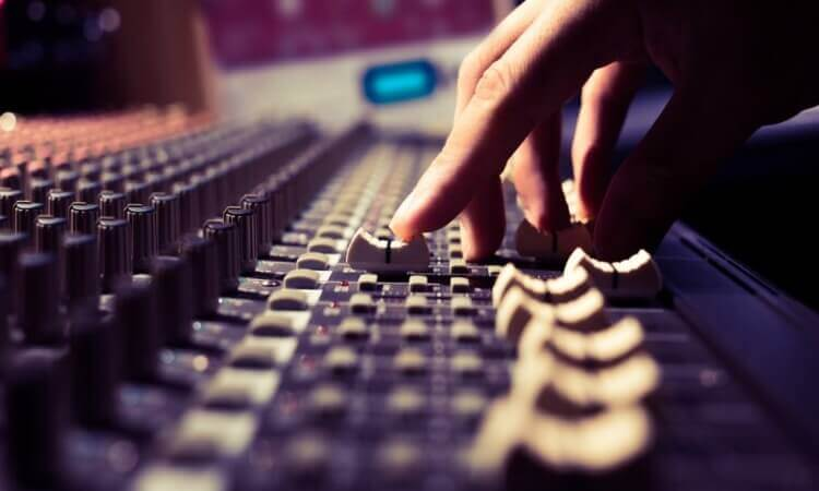 How Much Do Audio Engineers Make? – Things To Know